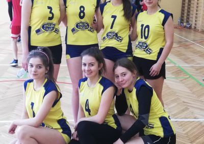 drużyna sportowa dziewcząt