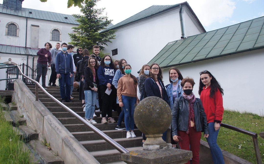 Historyczne i literackie spacery po Iłży z młodzieżą licealną